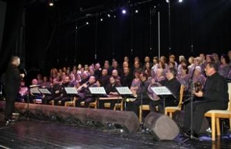 Türk Sanat Müziği Korosu bu kez Hüseyin Kanatlı için sahne aldı