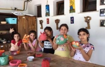 Vakıflar 'İyilik Evi' çocukları sokaklardan toplayıp hayat boyu işlerine yarayacak eğitimler veriyor