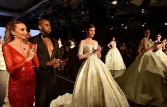 İstanbul'da düzenlenen Evlilik Hazırlıkları Fuarı'nda özel tasarımlar sunuldu