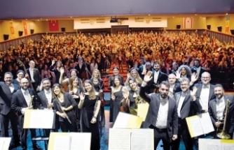 """""""Peter ve Kurt"""" isimli senfonik masal Girne'de sahnelendi"""