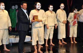 Çatalköy Belediyesi'nin düzenlediği Beşparmaklar Tiyatro Festivali başladı