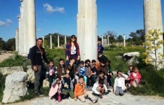 Doğu Akdeniz Doğa Anaokulu öğrencileri, Salamis Harabeleri'ni ve İskele Kültür Evi'ni gezdi