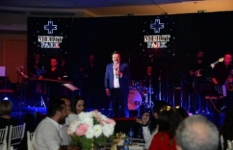 Selami Şahin, Merit Park Hotel'de muhteşem bir konser verdi, yeni albümündeki eserlerini seslendirdi
