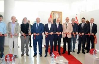 Tataristan Ressamlarının Kıbrıs Modern Sanat Müzesi için özel olarak hazırladığı sergi YDÜ'de açıldı