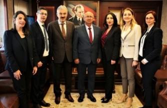 Özyiğit; İzmir Valisi, Katip Çelebi, Dokuz Eylül ve Ege Üniversitesi rektörleriyle bir araya geldi
