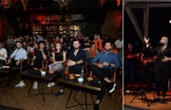 Letafet'te sahne alan Ahmet Evan, Türk Pop Müziğinin efsane şarkılarını söyleyerek konuklarına müzik ziyafeti sundu