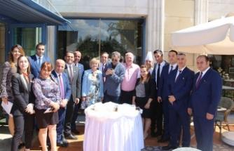 Merit Lefkoşa'dan misafirlerine sürpriz