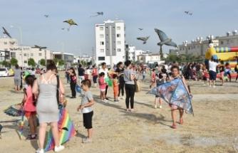 Gönyeli Belediyesi, uçurtma şöleni ve bisiklet etkinliği düzenledi
