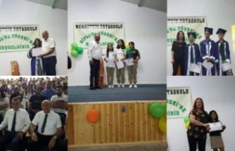 Mehmetçik Ortaokulu'nda eğitim gören 45 öğrenciye diploma ve başarı belgeleri verildi