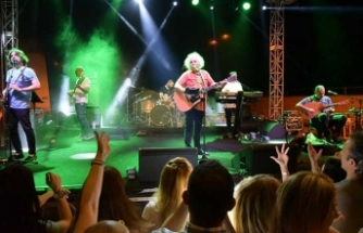 Yeni Türkü, Lefkoşa'nın Surlariçi'nde konser verdi