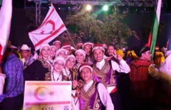 Göç-Taş, Yalova'da düzenlenen Altın Karanfil Halk Dansları Festivalinden ödül kazandı