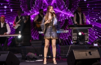Lübnan'ın starı Nancy, Merit Royal'in misafirlerine unutulmaz bir konser sundu