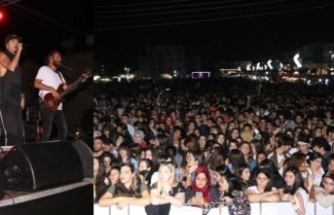 Türkiye'nin ünlü gruplarından Manga konser verdi