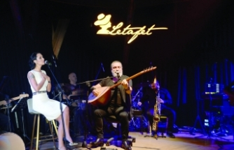 Soner OlgunCumartesi gecesi, Merit Park Letafet Lounge Bar'da sevenleriyle buluştu