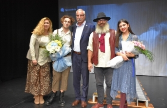 Çatalköy Belediye Tiyatrosu ekibi, uyununu Girne Oda Tiyatrosunda sahneleyecek