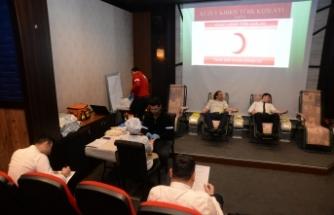 Merit Park Otel yönetici ve çalışanları kan bağışı kampanyasına destek verdi