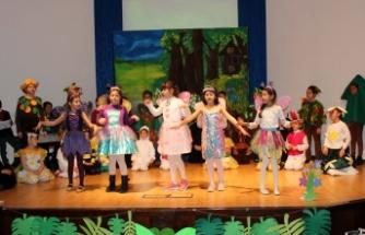 TED Kuzey Kıbrıs Koleji öğrencileri Ağaç Bayramı dolayısıyla etkinlik düzenledi