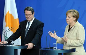 Merkel ile görüştü