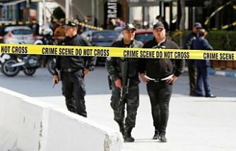 Tunus'ta bebekli bir kadın bombayı patlattı