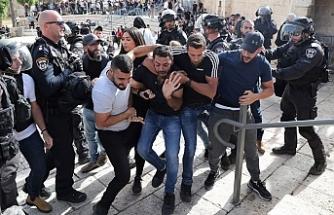 İsrail yine Mescid-i Aksa'ya saldırdı
