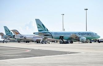 Larnaka ve Baf 722 bin yolcu ağırladı