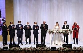 Evlilik cüzdanlarını Tatar takdim etti