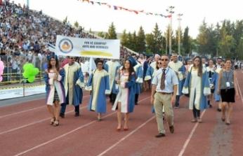 DAÜ'de mezuniyet coşkusu yaşandı