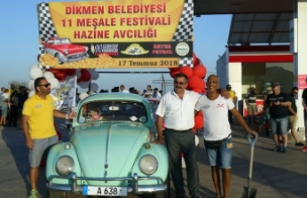 """Dikmen Belediyesi'nin 11 Meşale Festivali'nde klasik arabalarla """"Hazine Avı"""" yapıldı"""