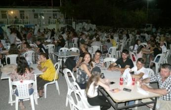 Meşale Festivali kapsamında Pınarbaşı köyünde geleneksel tombala gecesi düzenlendi