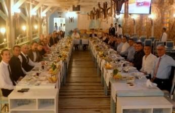 Merit Crystal Cove ve Merit Park otellerinin yöneticileri 'dayanışma yemeğinde' bir araya geldi