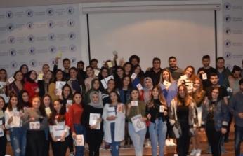"""LAÜ'de """"Kıbrıs'ta Drama ile Yolculuk"""" konulu seminer düzenlendi"""