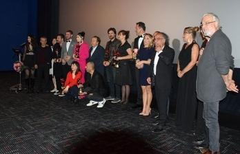Hazar Ergüçlü'ye en iyi kadın oyuncu ödülü verilmesi KKTC'de büyük bir sevinç yarattı