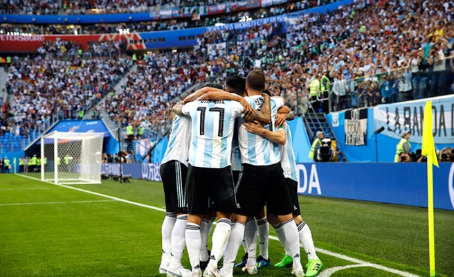 Arjantin tango yaptı 2-1