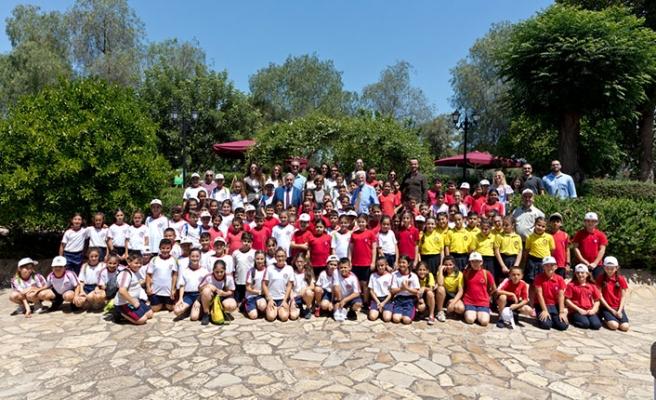 Cumhurbaşkanlığı'nda ada genelinden ilkokul öğrencilerinin katıldığı çevre etkinliği düzenlendi