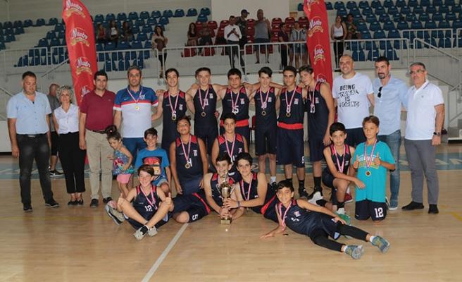 GAÜ Şampiyon 42-55