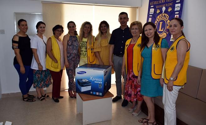 Güzelyurt Yeşilada Lions Kulübü, sağlık merkezine çok fonksiyonlu lazer yazıcı bağışladı