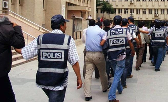 3 bin 883 kişiye gözaltı