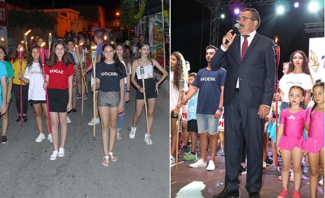 Dikmen Belediyesi tarafından düzenlenen 11 Meşale Festivali, gösteriler ve konserlerle devam ediyor