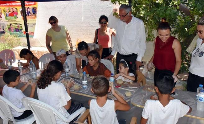 Girne Belediyesinin etkinliğinde çocuk yogası ve seramik atölyesi gerçekleştirildi