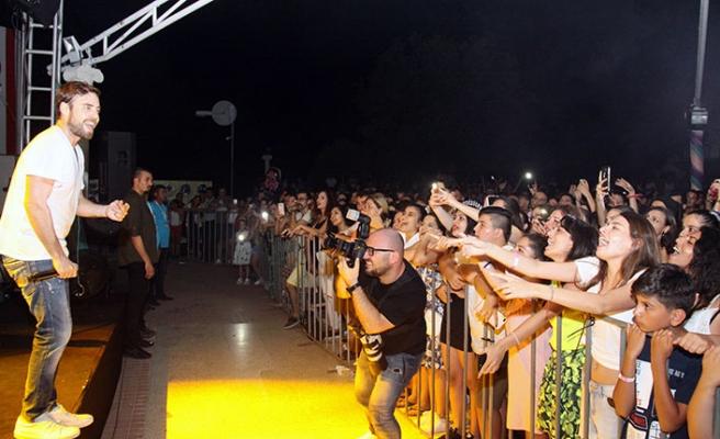 İskele'de bu yıl 50'ncisi düzenlenen festival Murat Dalkılıç konseri ile son buldu
