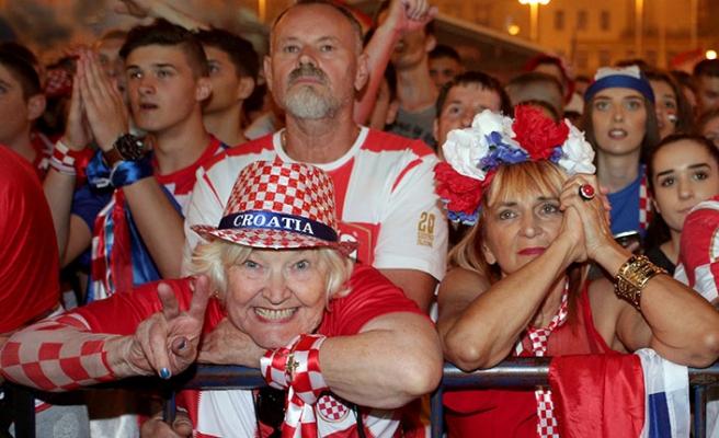 Kupa Avrupa'da kalacak