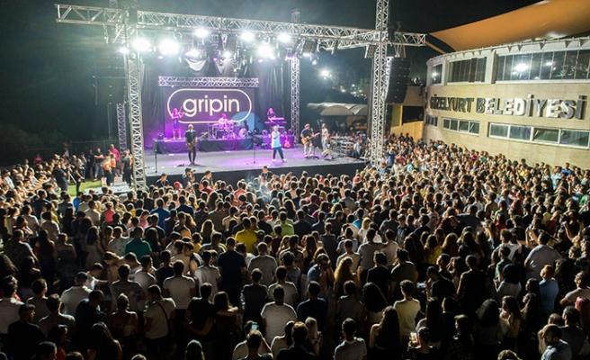 Portakal Festivalinde konser veren Gripin, en özel şarkılarını Güzelyurtlu hayranları için seslendirdi