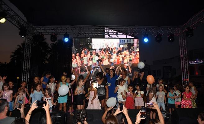 Bodrum'da sahne sırası çocuklarındı