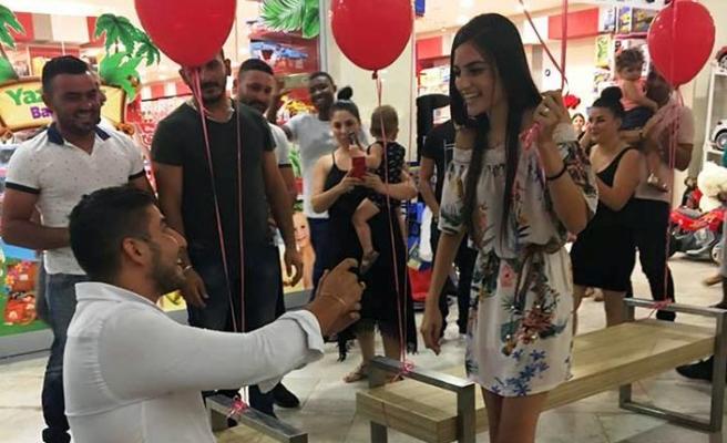 Citymall AVM'DE sürpriz evlilik teklifi