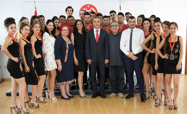 Güzellik yarışmasına katılacak finalistler, Uluçay ve Ataoğlu tarafından kabul edildi