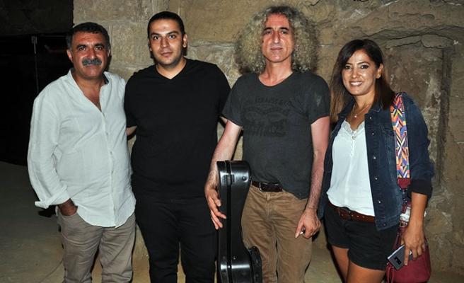 Mağusa Festivali'nde, usta sanatçılar Erdal Erzincan ve Ahmet Aslan keyifli anlar yaşattı
