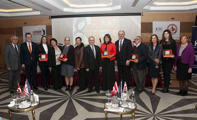Kıbrıs İlim Üniversitesi, Merit Royal'de çocuk haklarıyla ilgili panel gerçekleştirdi