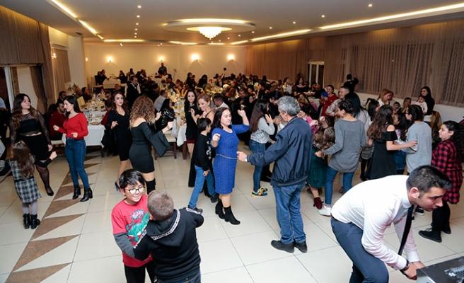 Alayköy Kültür ve Sanat Derneği'nin düzenlediği geleneksel yılbaşı balosu yapıldı