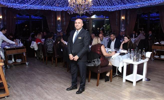 Merit Crystal Cove Hotel bünyesinde hizmet veren Lambousa Fish Restaurant, konuklarına muhteşem lezzetler sunuyor