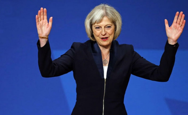 Theresa May 317 oyun 200'ünü aldı